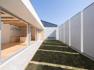 Modern Garden by アトリエ24一級建築士事務所 Modern