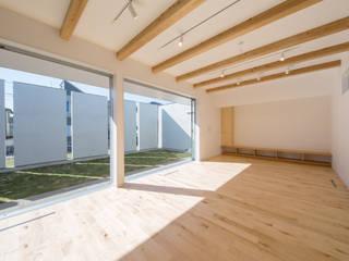 모던스타일 거실 by アトリエ24一級建築士事務所 모던