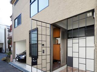 一級建築士事務所アトリエm Asian windows & doors Iron/Steel Black