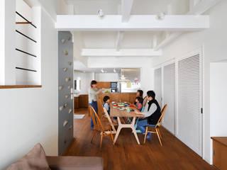 一級建築士事務所アトリエm Asian style dining room Wood Wood effect