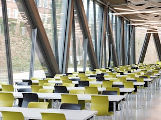 Zentralmensa der Universität Kassel Moderne Schulen von Flötotto Systemmöbel GmbH Modern