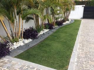 Beatrice Perlac - Adarve Jardines Modern style gardens