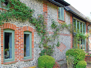 Timber Alternative Windows Country style windows & doors by ROCOCO Country