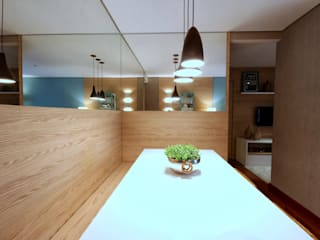 Dining room by MeyerCortez arquitetura & design,