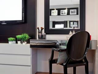 Dormitorios de estilo moderno de Joana & Manoela Arquitetura Moderno