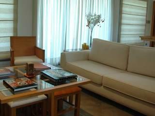 ARTACHO HOUSE: Livings de estilo moderno por Carbone Fernandez Arquitectos