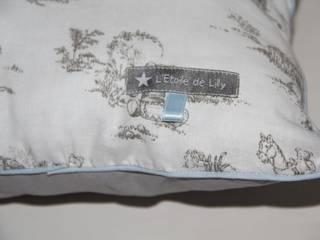 """Coussin collection """"Oursons sur Toile de Jouy"""":  de style  par L'Etoile de Lilly"""