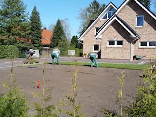 Jardines de estilo moderno por Garten- und Landschaftsbau Gartenservice Schwanewede