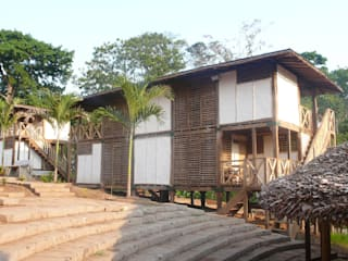 ABCDEstudio Tropical style houses Wood Wood effect