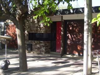 OBRA AMPLIACION, DOBLE COCHERA:  de estilo  por M.i. arquitectura & construcción