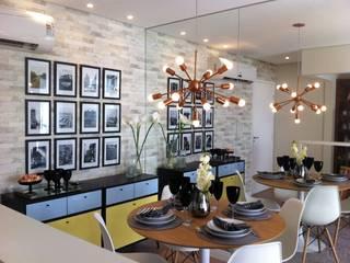 Decorado 60m²: Salas de jantar  por Fabiana Rosello Arquitetura e Interiores,Eclético