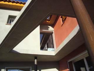 Nowoczesny balkon, taras i weranda od agence d'architecture nadia poss Nowoczesny