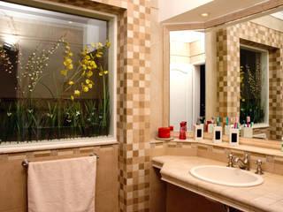 LEVALLE HOUSE: Baños de estilo  por Carbone Fernandez Arquitectos