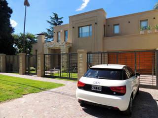 GRECO II HOUSE: Casas de estilo  por Carbone Fernandez Arquitectos,Moderno