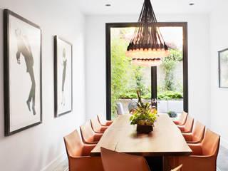 Antonio Martins Interior Design Inc オリジナルデザインの ダイニング