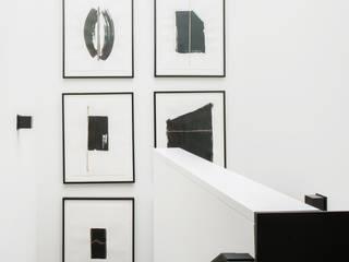 Antonio Martins Interior Design Inc Modern corridor, hallway & stairs