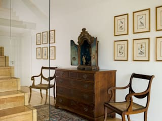 Antonio Martins Interior Design Inc Classic style corridor, hallway and stairs