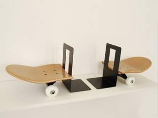 Skateboard honey bookends simple and elegant for books - skateboarding themed bedroom Furniture skate-home Habitaciones infantilesAccesorios y decoración Madera Marrón