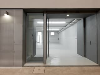 Espaces commerciaux minimalistes par ABPROJECTOS Minimaliste