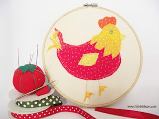 The little red hen hoop art:   by Thimble Hoop