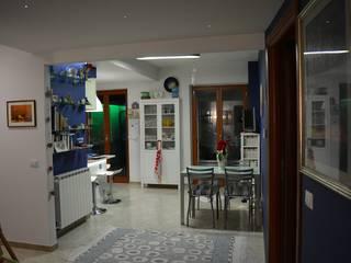 Appartamento di famiglia Sala da pranzo moderna di Architetto Giovanni Marra Studio di Progettazione Integrata Moderno