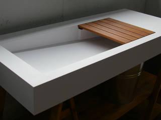 Nowoczesna umywalka z odpływem liniowym bocznym od Luxum Nowoczesny