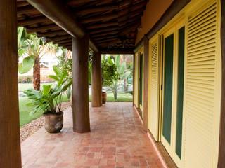 Terrazas de estilo  de MADUEÑO ARQUITETURA & ENGENHARIA, Rústico