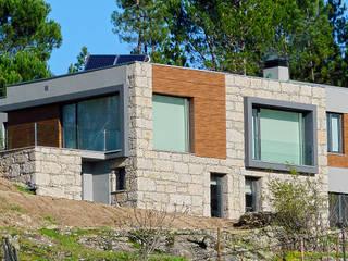 Moradia Ferreirós do Dão Casas modernas por AET XXI - Projetos de Arquitetura e Engenharia de Tondela, Lda Moderno