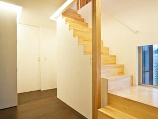 星設計室 Modern corridor, hallway & stairs Wood Wood effect