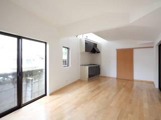 maison S モダンデザインの 多目的室 の 株式会社伏見屋一級建築士事務所 モダン