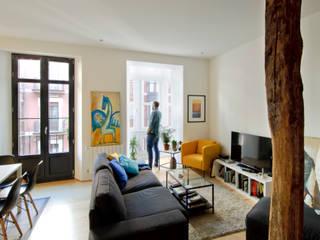 Livings de estilo  por Garmendia Cordero arquitectos