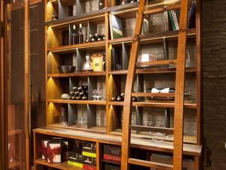 Weinkeller Moderne Ladenflächen von Diogenes Gebr. Pramstaller KG Modern