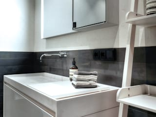 badconcepte Minimalist bathroom