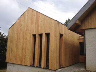 Extension Maison FP Maisons modernes par FAVRE LIBES Architectes Moderne
