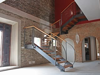 Vivienda J Pasillos, vestíbulos y escaleras de estilo rústico de Sánchez Terio Arquitectos Rústico