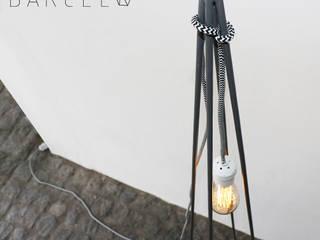 LAMPARA DE PIE FADES:  de estilo industrial por Barcelò. diseño en hierro,Industrial