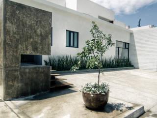 Salle à manger minimaliste par TAQ arquitectura Minimaliste