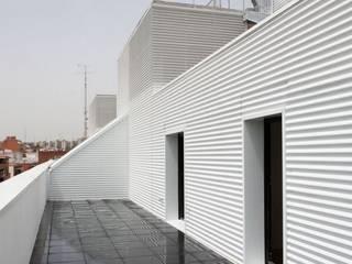 Residencial LOS OLIVOS. Madrid. Casas de estilo industrial de CIPRÉS S.L Industrial Metal