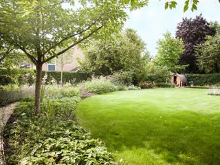 Wiejski ogród od Studio REDD exclusieve tuinen Wiejski