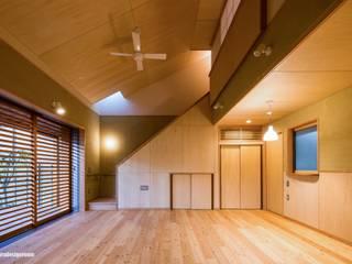 Salones modernos de アグラ設計室一級建築士事務所 agra design room Moderno