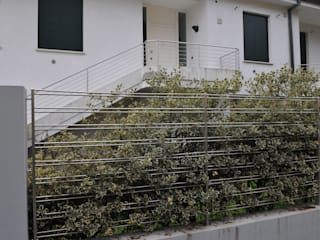ACCIAIO Case moderne di LA FUCINA ITALIANA SRL Moderno