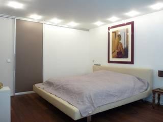 Villa in Erlangen CS interior solutions Moderne Schlafzimmer Holz-Kunststoff-Verbund Beige
