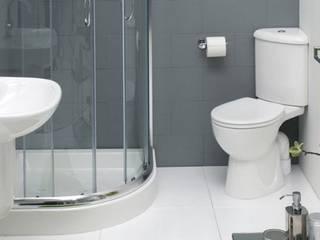 Baños de estilo moderno de Tbeks Moderno