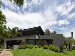Modern home by ARRILLAGA&PAROLA Modern