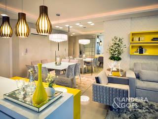 Moderne Esszimmer von Landeira & Goes Arquitetura Modern