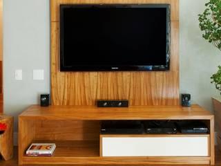 HomeTV:   por Egg. Interiores
