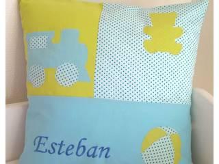 Des coussins en patchwork personnalisables pour enfants:  de style  par la chouette à pois roses