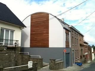 Extension tout en courbe à Sombreffe Maisons originales par Bureau d'Architectes Desmedt Purnelle Éclectique