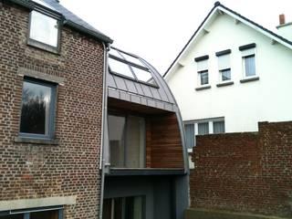 Bureau d'Architectes Desmedt Purnelle Eclectic style houses