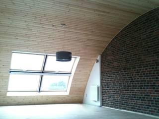 Bureau d'Architectes Desmedt Purnelle Eclectic style bedroom Bricks
